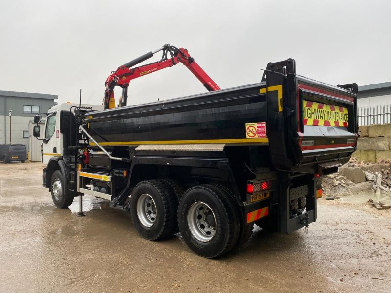 Poole Sand and Gravel grab lorry
